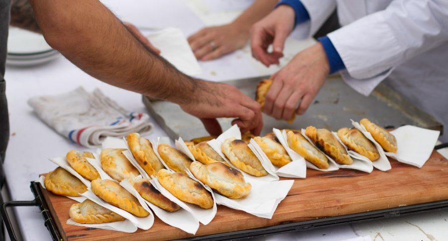 Empanadas en un puesto callejero