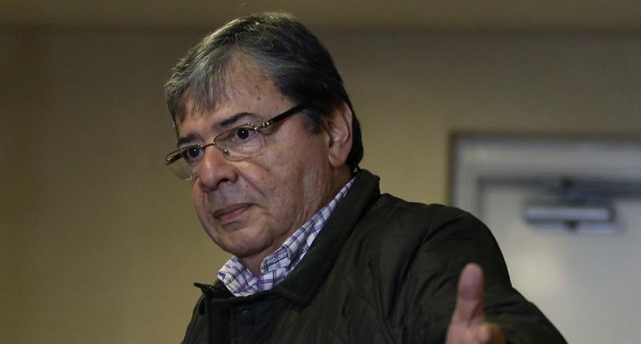 Carlos Holmes Trujillo