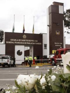 Víctimas de carro bomba en Escuela General Santander recibirán ascenso póstumo