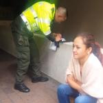 Mujer que habría sido multada por preguntar por una empanada