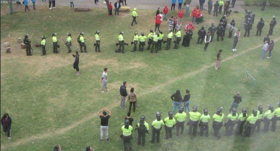 Protestas por construcción de colegio en Kennedy