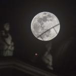 Superluna en Skopie, Macedonia