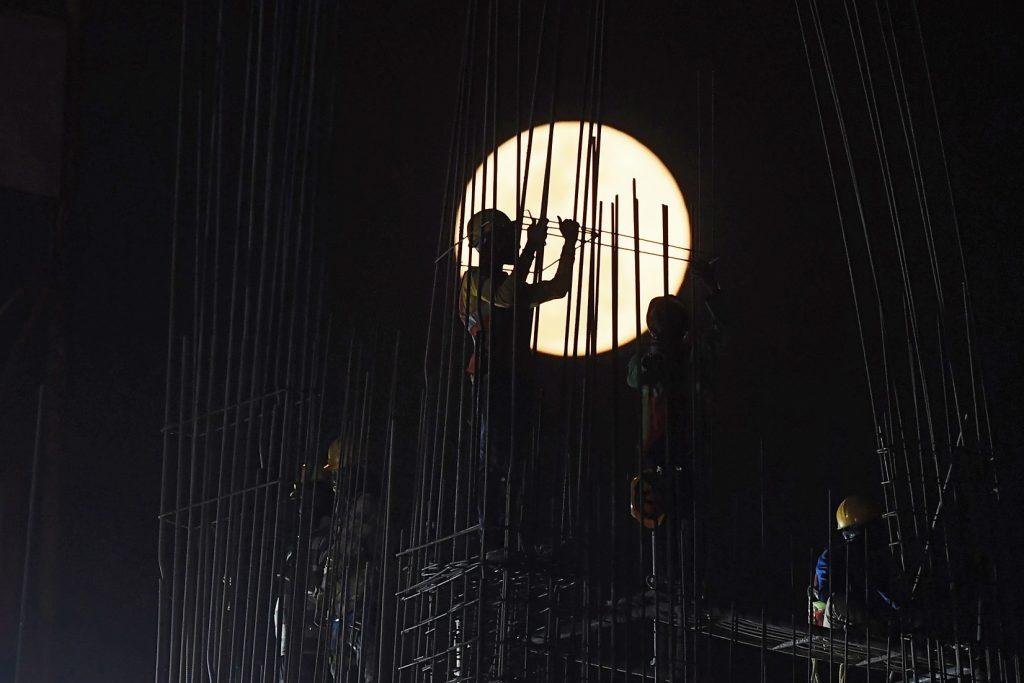 Superluna en Kolkata, India