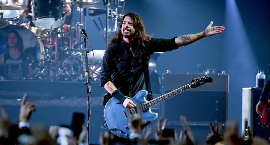 Dave Grohl, tocando en Atlanta, Georgia, EE. UU.