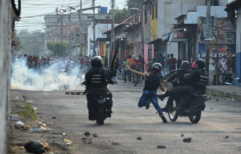 Disturbios en frontera de Venezuela con Colombia.
