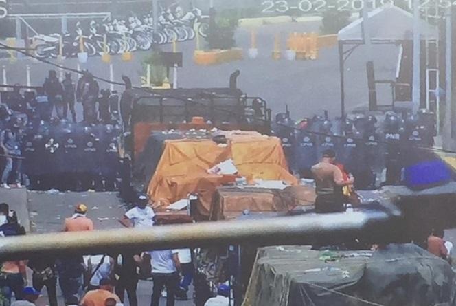 Bloqueo camiones ayuda humanitaria
