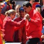 Maduro bailando con su esposa
