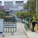 Un policu00eda en el puente internacional Simu00f3n Bolu00edvar