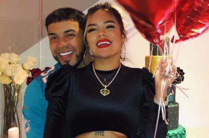 Anuel AA y Karol G, cantantes.