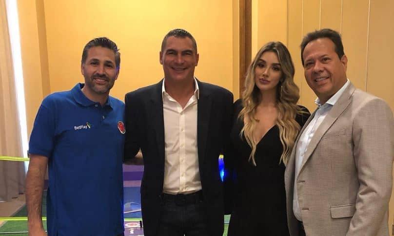 Mario Alberto Yepes, Faryd Mondragón, Melina Ramírez y el 'Cantante del gol'