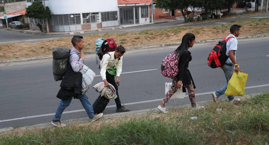 Venezolanos desplazados en  rontera colomboecuatoriana