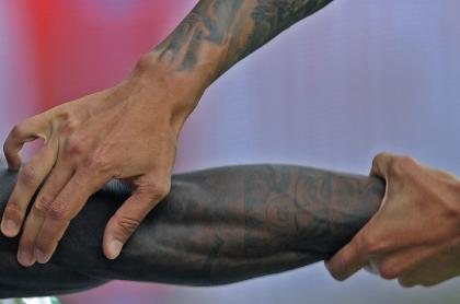 Brazos tatuados