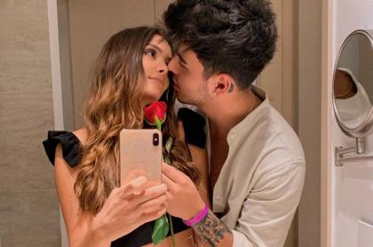María Laura Quintero, actriz, con su novio Sebastián Villalobos, 'youtuber'.