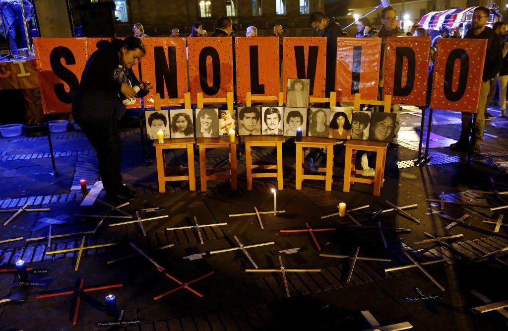 Velatón por el Día de la Dignidad de las Víctimas de Crímenes de Estado