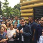 Guaidó en las calles de Caracas