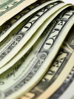 Economista que vaticinó dólar a $ 2.700 si ganaba Duque intentó corregir y tampoco acertó