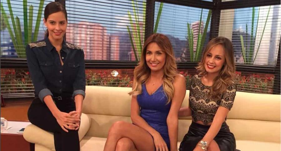 Laura Acuña y Adriana Betancur y Milena López, presentadoras.