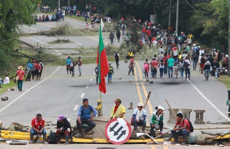 Bloqueo de indígenas en la Panamericana