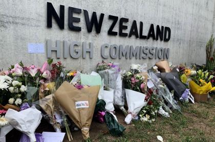 Homenaje floral a las víctimas