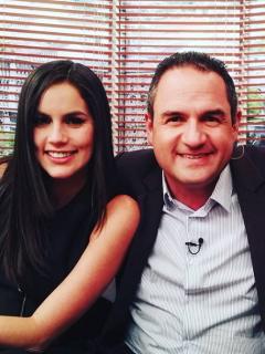Linda Palma, presentadora; Mauricio Vélez, presentador; y Paulina Vega, exreina.
