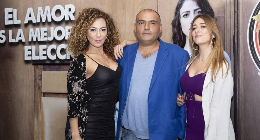 Andrea Guzmán, Enrique Carriazo y Verónica Orozco, actores.