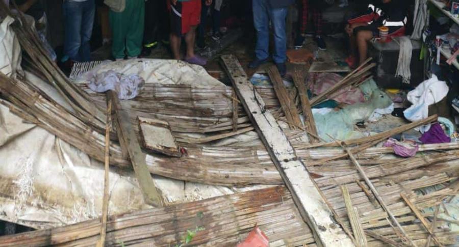 Casa donde cayó el taxi, en Ibagué