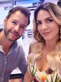 Sebastián Decoud, extenista, y Mabel Cartagena, presentadora.