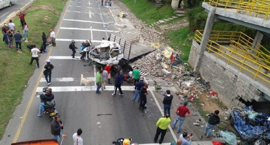 Accidente vía Bogotá Girardot