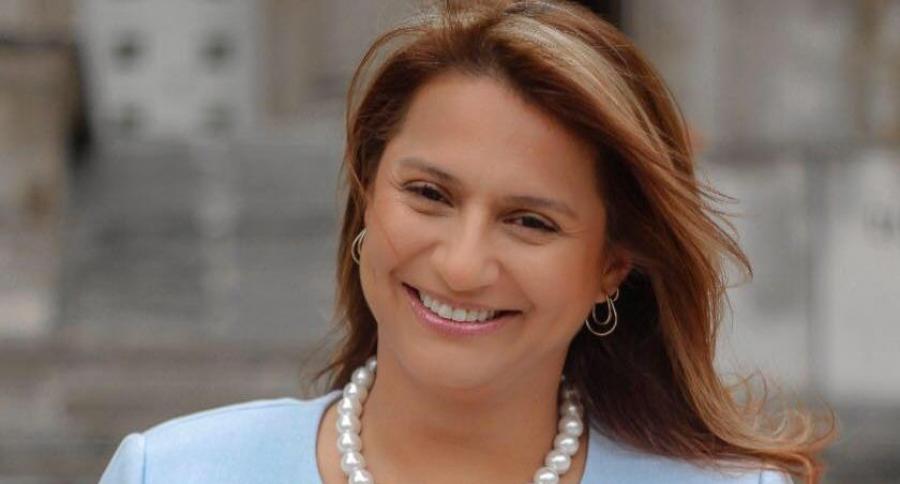 Senadora Paola Holguín