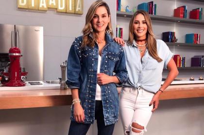 Catalina Gómez y Carolina Soto, presentadoras.