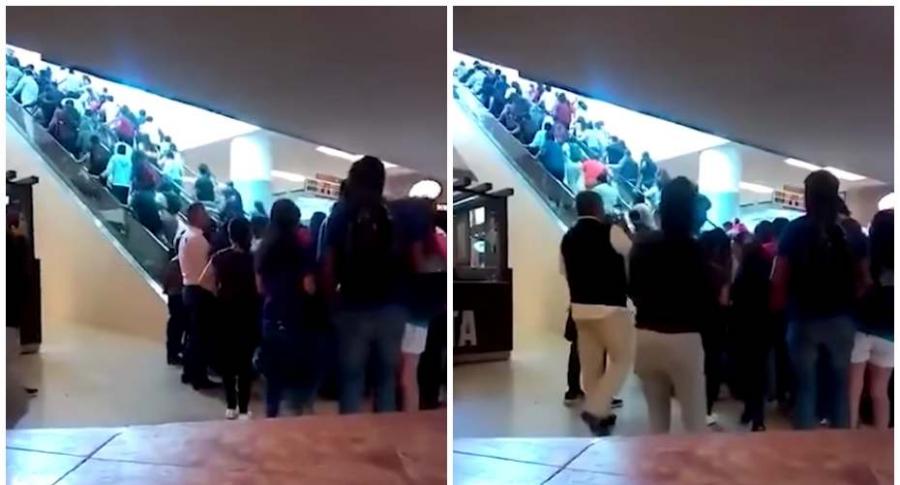 Multitud en centro comercial.