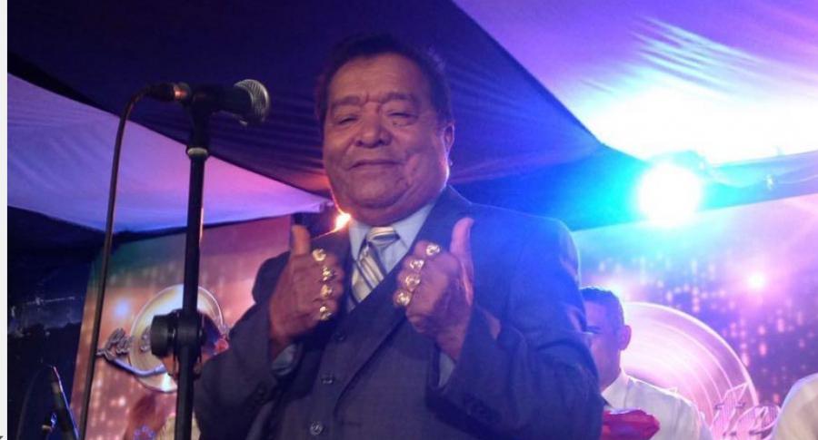 Pastor López, cantante.