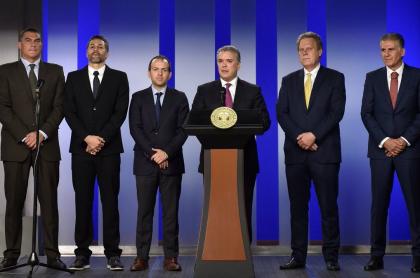 Faryd Mondragón, Mario Alberto Yepes, Ernesto Lucena, Iván Duque, Ramón Jesurún, Carlos Quieroz
