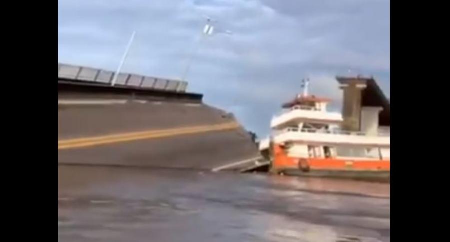 Colapsa puente en Brasil