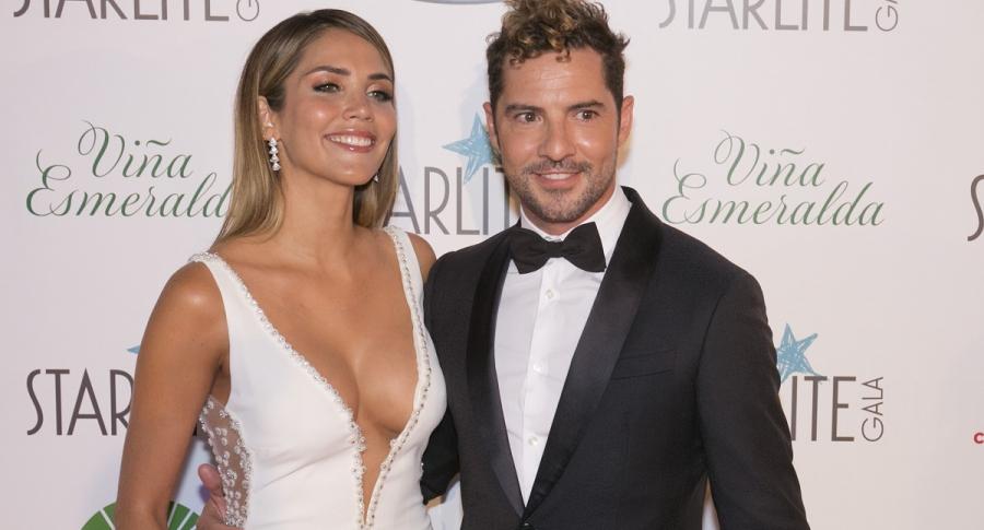 David Bisbal, cantante, con su esposa Rosanna.