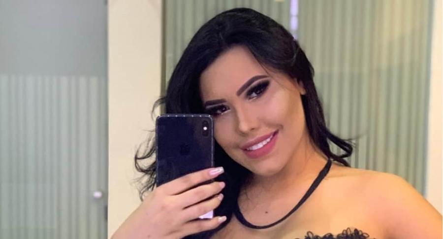 Ana del Castillo, cantante.