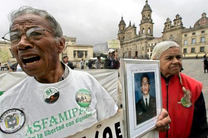 Familiares de policías secuestrados por las Farc