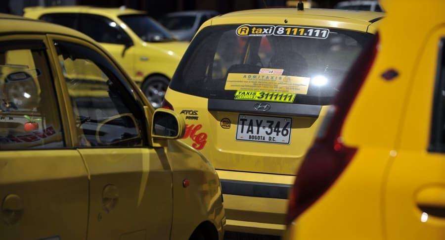 Crece polémica por el posible cobro de Sayco y Acinpro a los taxistas