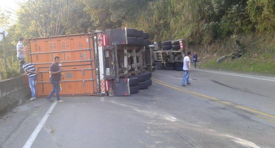 Accidente en vía Alto de la Línea