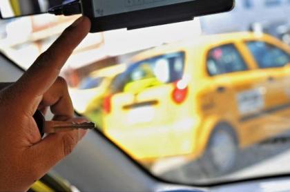 Atracadores en taxi