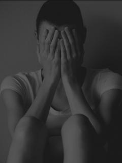 Frases que indican que una persona que quieres podría estar pensando en suicidarse