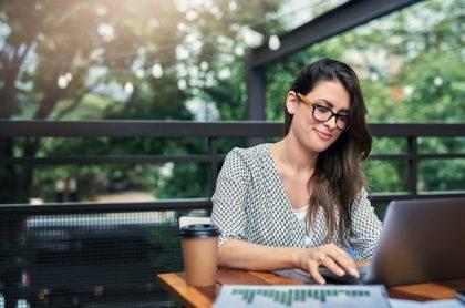 emprendimiento mujer trabajando