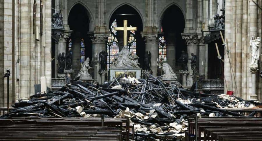 Cruz en Notre Dame.