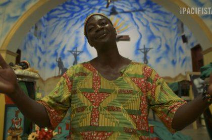 Sacerdote Neil Quejada Mena. Documental 'Dios es negro'
