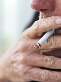 ¡Increíble! Obligan a tabacalera pagar $170 millones a familia de fumador que murió en 1998