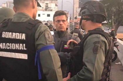 Leopoldo López, luego de ser liberado