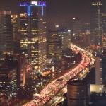 Panorámica nocturna de Yakarta