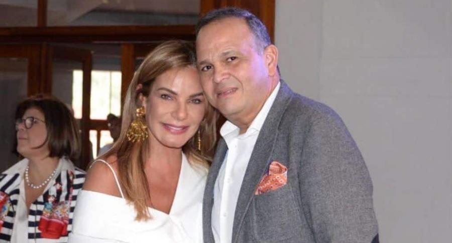 María Mónica Urbina, exreina, y José Guillermo Hernández, ganadero.
