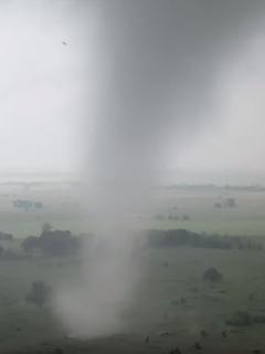 Drone graba tornado