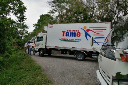 Camión atravesado en Arauca